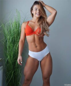 girls in sexy skirts repost from femalesphysiques – sexy girls abs