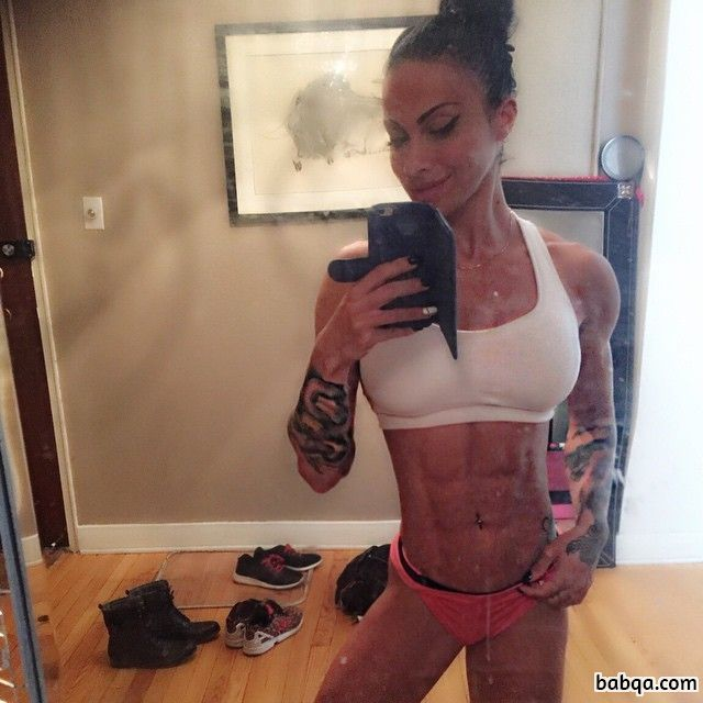 hot fifteen year old girls repost from womenfitnessmodels – fit girls at gym