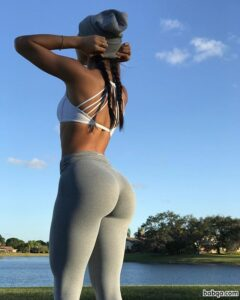 fit girls with curves repost from witnessfitness – really great ass
