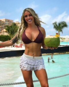 hottest fe muscle repost from dailyhottfitness – women with nice es